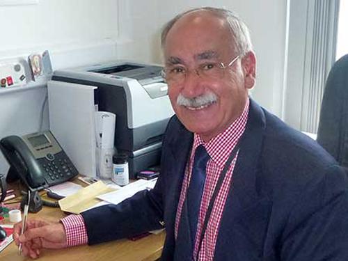 Dr Gabriel Hendow